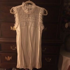 Hinge (Nordstrom) White Dress with embroidery